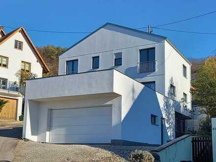 Einmaliges Anwesen mit traumhaftem & unverbaubarem Ausblick, 2,5 km vor Freiburg im Breisgau