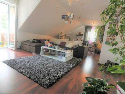 Sonnige 4 Zimmer Maisonettewohnung mit XL-Dachstudio in bester Lage von Friedrichshofen