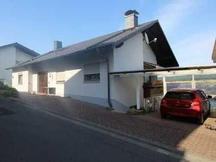 Großes Zweifamilienhaus mit zusätzlichem Bürogebäude in Top Lage von Erbach