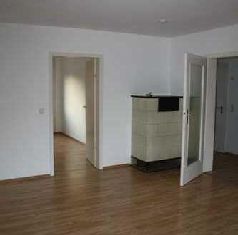 3-Zimmer-Wohnung mit Balkon und EBK in Stuttgart/Muenster an NR