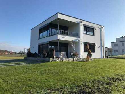 Moderne, großzügige 3 1/2 Zi-Architektenwohnung im EG mit großem Südbalkon