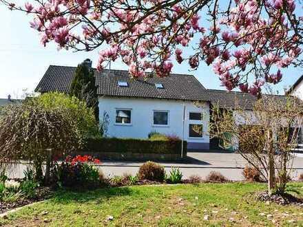 Das familienfreundliche Wohnhaus mit ELW und Garagen bei Bad Waldsee