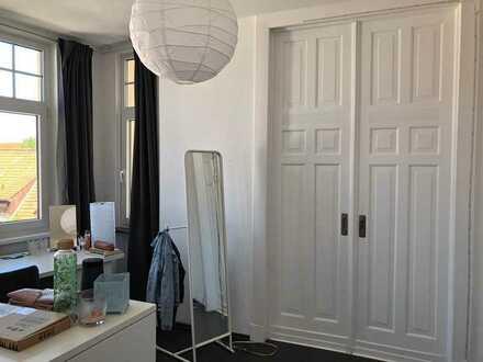 Helles Zimmer in gepflegter WG Nähe Villa Giese