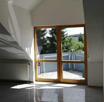 Gepflegte 3-Zi-DG Wohnung mit Balkon und EBK in Weidenstetten // von privat an privat