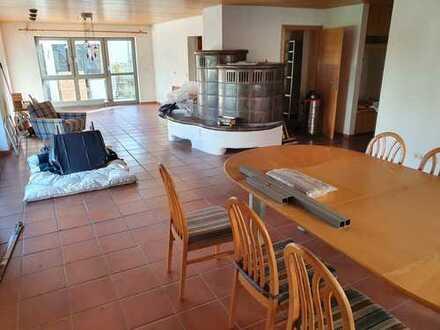 Attraktive 4-Zimmer-EG-Wohnung mit Balkon und EBK in Winterbach