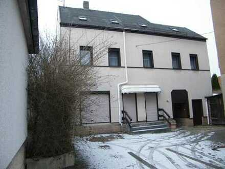 Schönes Einfamlienhaus mit Gewerbe in Lugau