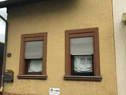 Kleines Haus ***vermietet*** zu verkaufen