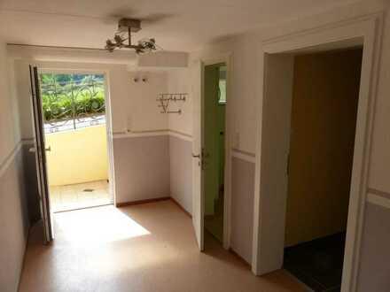 2-Zimmer-Souterrain-Wohnung