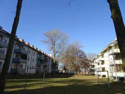 Erstbezug nach Renovierung 4 Zimmer Wohnung auf Anfrage mit Küche