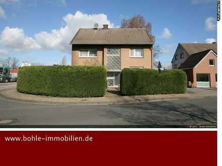 3 Familienhaus, solide vermietet mit Büro und KFZ Halle!!!