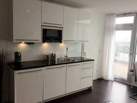 Exclusives Apartment mit Dachterrasse und Pool 19. OG München möbliert EBK