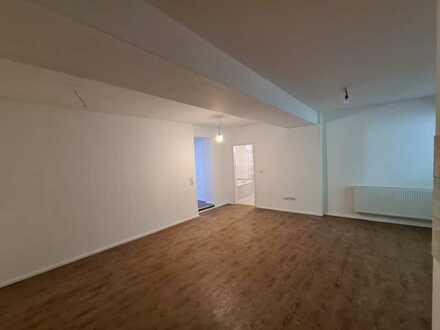 Erstbezug 3 Zimmer Wohnung im EG