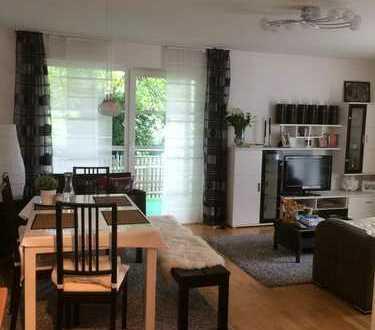 Ruhige, gepflegte 2-Zimmer-Wohnung mit Balkon und EBK in Regensburg