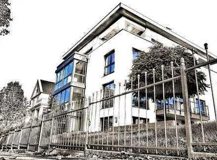 Kinderfreundlich,groß.Balkon,Kaminanschluss,128 qm Wfl.,4 Zimmer,schöne Lage in Dresden-Plauen