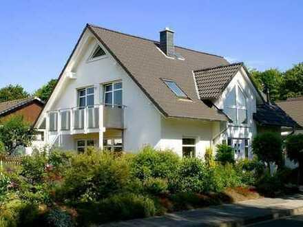 ● BODENWERDER/POLLE ● Großes Einfamilienhaus, massive Bauweise in begehrter Wohnlage!