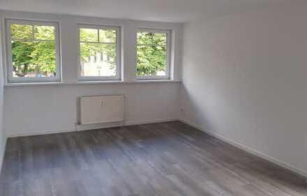 Schöne, geräumige, zwei Zimmer Nichtraucherwohnung in Oberhavel (Kreis), Hennigsdorf