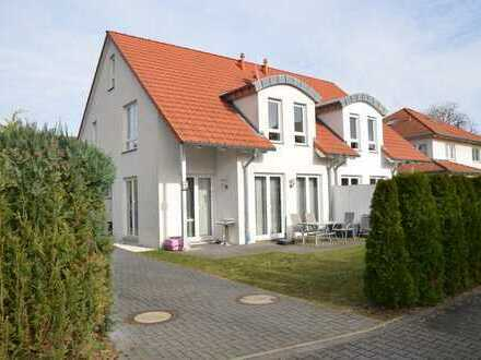 Traumhafte Doppelhaushälfte für gehobene Ansprüche in Wunstorf / Luthe - PROVISIONSFREI -