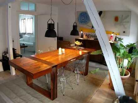 Mittendrin!! Sehr zentral gelegene, modern möblierte Altstadt 3-Zimmer Wohnung