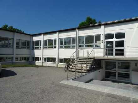 Teilbare Büroflächen mitt Parkplätzen nahe dem Brückenberg zu vermieten - Lager-/Hallenanteil möglic