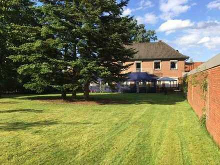 Reserviert: Schöne große Wohnung mit eigenem Garten