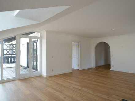 Exclusive 3 Zi. Dachterrassenwohnung in kleiner Wohnanlage in Grünwald