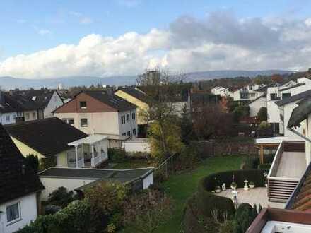Tolle 3 Zimmer Wohnung, Dachgeschoss mit Klimaanlage, Bad Homburg Ober-Eschbach