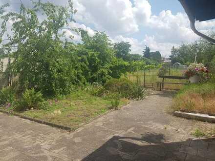 Erdgeschosswohnung mit Terasse und Garten