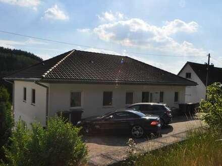 Modernes, attraktives 3 Fam. Haus in sonniger Naturlage von Hilchenbach ( Preis VB )