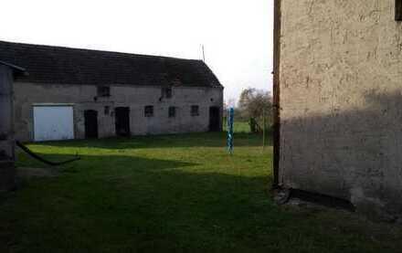 Bauernhaus mit ca. 1400 m² Grundstück - Garage - Stall - Scheune in der Uckermark