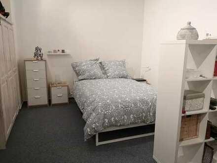 Fairmieten - Mitten in Heidelberg: Schickes Apartment mit Einbauküche