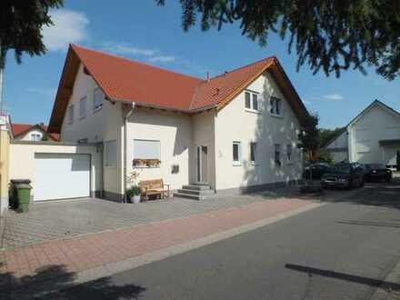Großzügig geplante Doppelhaushälfte in Offenbach bei Landau