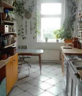Zur Untermiete für 4 Monate: helle, geräumige, möblierte 2 Zimmer Altbauwohnung in Prenzlauer Berg