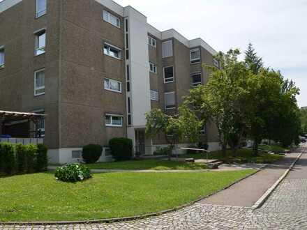 Vollständig renovierte 3-Raum-Wohnung mit Balkon und eigenständiger Garage in Sindelfingen