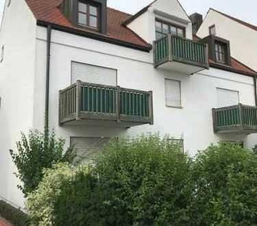 2 Zimmer-DG-Wohnung mit Balkon