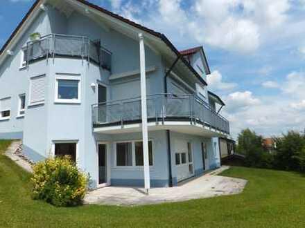 renoviert, sonnig mit EBK und herrlicher Terrasse in ruhige Lage
