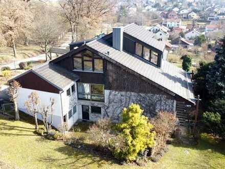 Einzigartiges Zweifamilienhaus mit traumhaftem Garten, Sauna uvm. in Sinzing/Eilsbrunn!