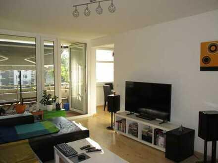 Provisionsfrei - Komplett Sanierte 3. Zimmer Wohnung mit Balkon und TG