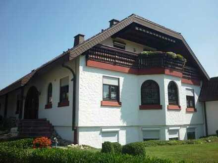 Einfamilienwohnhaus mit Pavillon