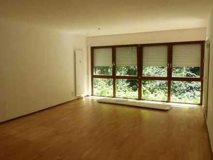 Neuwertige Wohnung mit vier Zimmern sowie Balkon und Einbauküche in Handschuhsheim