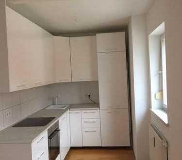 Stilvolle 3-Zimmer-Altbauwohnung Augsburg- Pfersee: Erstbezug nach Sanierung, neue Einbauküche