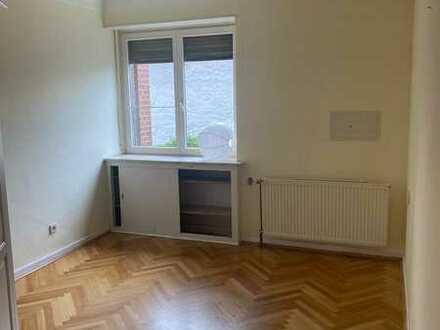 ***Große Wohnung auf 2 Etagen, ca. 125 qm***