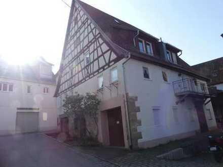 Wohnen unter der Y-Burg in Stetten im Remstal: Denkmalgeschütztes Haus, gepflegt und bewohnbar