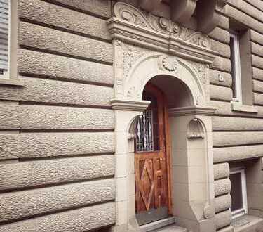 Zentral und ruhig gelegene 2-Zimmer-Altbauwohnung (ca. 57qm) in Stuttgart Ost
