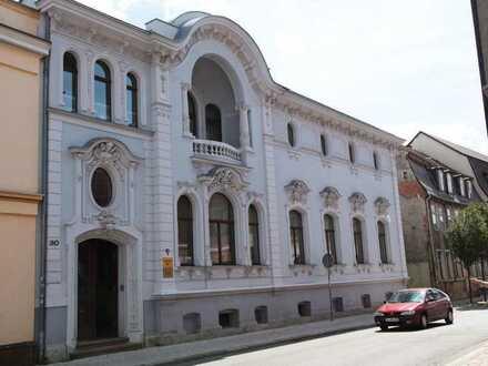 Schöne 1-Zimmer-Wohnung in edler Villa
