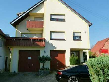 Schöne 4,5-Zimmer-Dachgeschosswohnung im gepflegten 3-Familienhaus