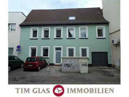 ++ Neu modernisiertes 3 Parteienhaus mit Dachterrasse und Garage in LD-Zentrum! ++