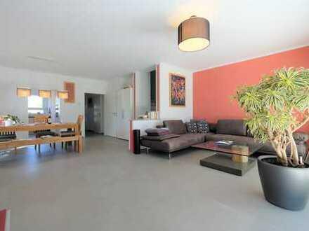 Moderne 3 Zimmer Maisonette-Wohnung mit Südterrasse und Garten
