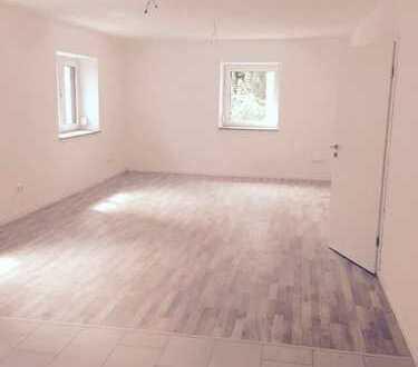 Schöne drei Zimmer Wohnung in Aichach-Friedberg (Kreis), Aichach
