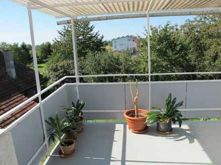 helle und ruhige 3 Zimmer-Wohnung in Freiburg-St.Georgen + Wohnküche + Terrasse