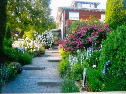 Niedrigenergiehaus in ruhiger Südhanglage mit großem Garten